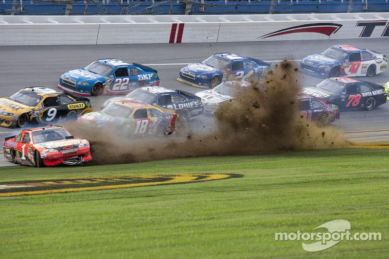 Herbst 2012: Crash von Jamie McMurray