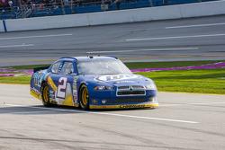 Brad Keselowski, Penske Racing Dodge limps back to the pits