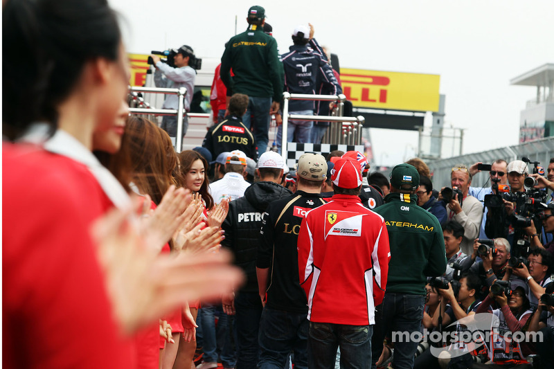 Fernando Alonso, Ferrari en de andere rijders naar de rijdersparade