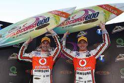 Winnaars Jamie Whincup en Sébastien Bourdais, Team Vodafone