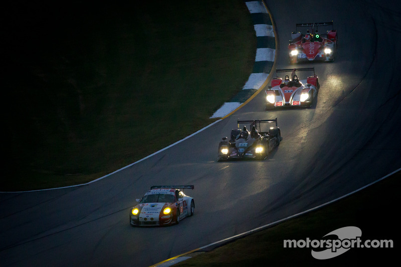 #67 IMSA Performance Matmut Porsche 911 GT3 RSR: Anthony Pons, Raymond Narac, Nicolas Armindo, #055 Level 5 Motorsports HPD ARX-03b HPD: Scott Tucker, Dario Franchitti, Marino Franchitti, #37 Conquest Endurance Morgan Nissan: Martin Plowman, David Heineme