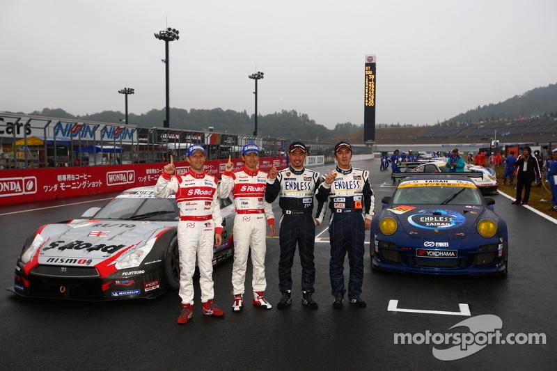 2012 GT300 champions Kyosuke Mineo, Naoki Yokomizo and 2012 GT500 champions Masataka Yanagida, Ronnie Quintarelli
