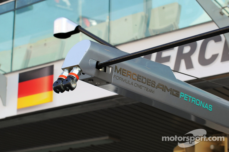 Mercedes AMG F1 pit stop equipment