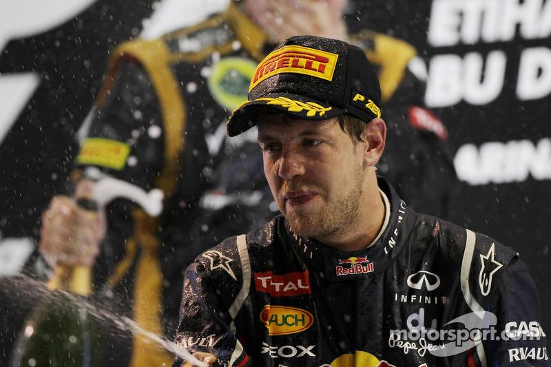 Sebastian Vettel, Red Bull Racing viert derde plaats op het podium