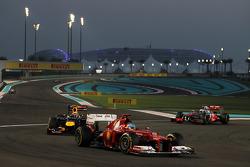 Fernando Alonso, Ferrari leads Mark Webber, Red Bull Racing