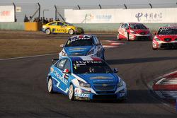 Yvan Muller, Chevrolet Cruze 1.6T, Chevrolet and Robert Huff, Chevrolet Cruze 1.6T, Chevrolet