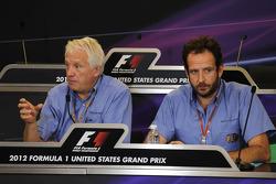 Charlie Whiting, FIA Delegate met Matteo Bonciani, FIA Media Delegate in persconferentie