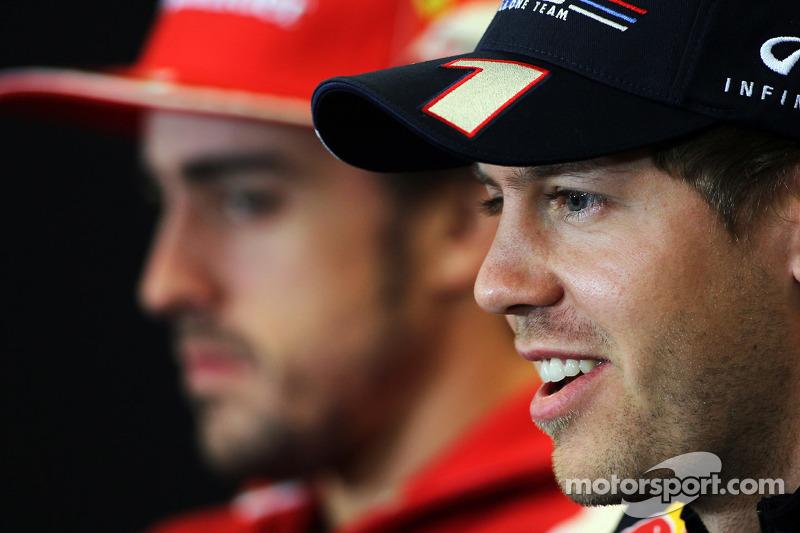 Fernando Alonso, Ferrari en Sebastian Vettel, Red Bull Racing in de FIA persconferentie