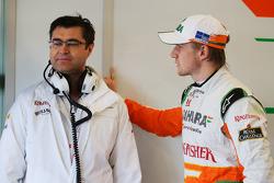 Bradley Joyce, Sahara Force India F1 Race Engineer with Nico Hulkenberg, Sahara Force India F1