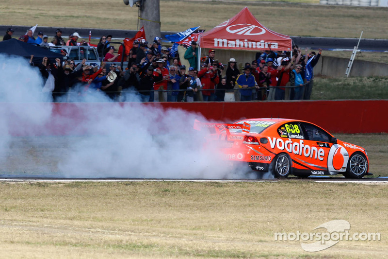Race winner Craig Lowndes, Team Vodafone