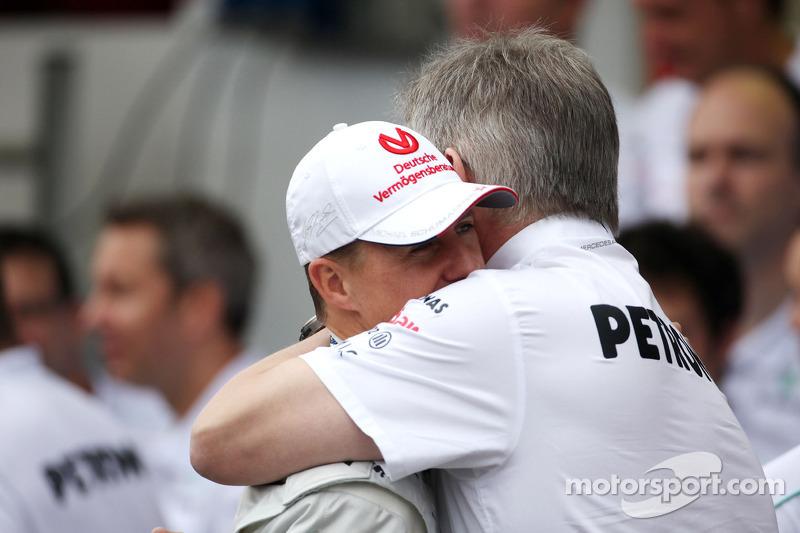 Michael Schumacher mit Teamchef Ross Brawn