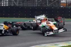 Ніко Хюлькенберг, Sahara Force India F1 і Льюіс Хемілтон, McLaren, зіткнення