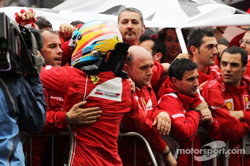 Fernando Alonso, Ferrari viert tweede plaats in parc ferme