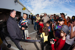 Yojiro Terada meets fans