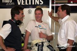 Jefe de BMW motorsport Dr. Mario Theissen, Ralf Schumacher y Gerhard Berger