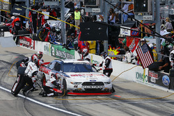 Sam Hornish Jr, Discount Tire Ford Mustang pit stop