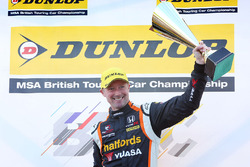 1. Gordon Shedden, Halfords Yuasa Racing Honda Civic Type R