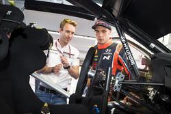 Timo Bernhard and Thierry Neuville, Hyundai Motorsport