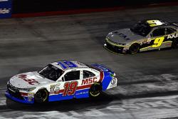 Matt Tifft, Joe Gibbs Racing Toyota ve William Byron, JR Motorsports Chevrolet