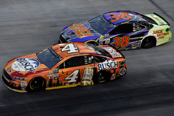 Kevin Harvick, Stewart-Haas Racing Ford, David Ragan, Front Row Motorsports Ford