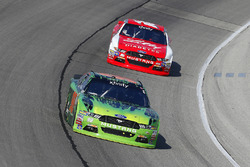 Darrell Wallace Jr., Biagi-DenBeste Racing Ford and Ryan Reed, Roush Fenway Racing Ford