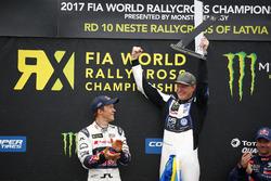 Podium : le vainqueur Johan Kristoffersson, PSRX Volkswagen Sweden, VW Polo GTi, le deuxième Mattias Ekström, EKS, Audi S1 EKS RX Quattro