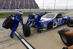 Ricky Stenhouse Jr., Roush Fenway Racing Ford makes a pit stop