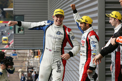 Les vainqueurs James Allen, Gustavo Yacaman, Richard Bradley, Graff Racing