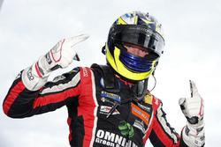El ganador de la carrera Joel Eriksson, Motopark Dallara F317 - Volkswagen