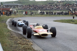 Graham Hill,Lotus 49B-Ford, leads Jackie Stewart, Matra MS10-Ford