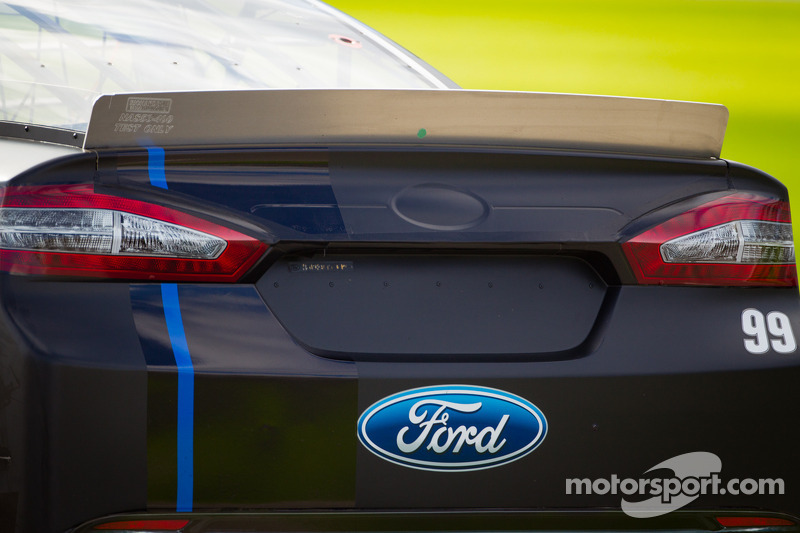 Carl Edwards, Roush Fenway Racing Ford, spoiler