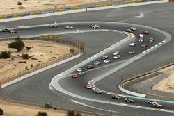 Start: #26 Attempto Racing Porsche 997 GT3R: Ivo Breukers, Kevin Estre, Nicki Thiim, Angel Rafael Benitez Sr.
