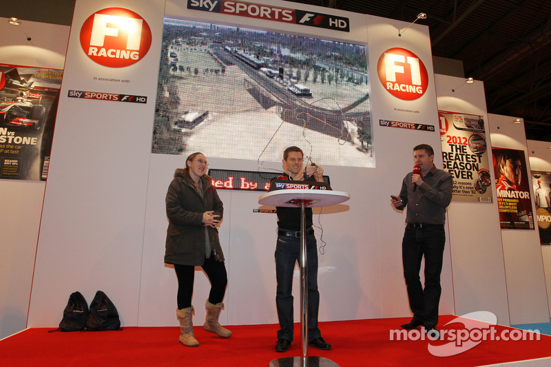 Anthony Davidson en David Croft, Sky Sports Commentator op de F1 Racing Stand
