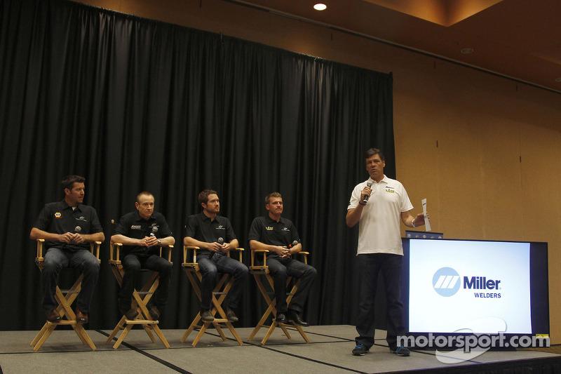 Martin Truex Jr., Mark Martin, Brian Vickers, Clint Bowyer, Michael Waltrip, Michael Waltrip Racing Toyota