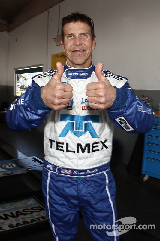 Scott Pruett comemora his pole