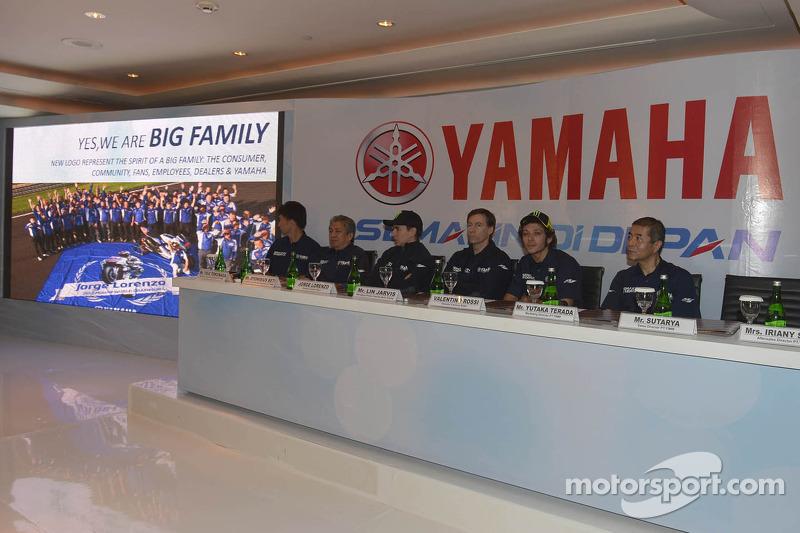 Презентация команды Yamaha Factory Racing, презентация.