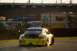 #80 TruSpeed Motorsports Porsche GT3: Kelly Collins, Phil Fogg, Tom Haacker, Jim Walsh in trouble