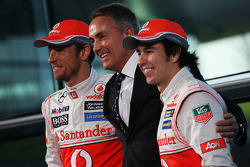 Jenson Button, McLaren, Martin Whitmarsh, McLaren Chief Executive Officer and Sergio Perez, McLaren unveil the new McLaren MP4-28