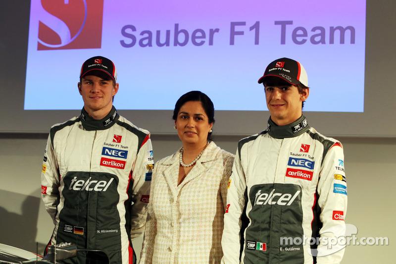 2013 Nico Hulkenberg, Sauber con Monisha Kaltenborn, director del equipo Sauber y Esteban Gutiérrez, Sauber