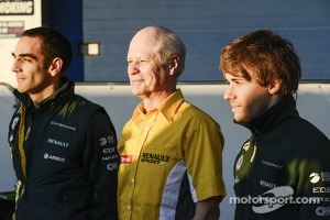 Cyril Abiteboul, Caterham F1 Team Principal, and Charles Pic, Caterham (Right)