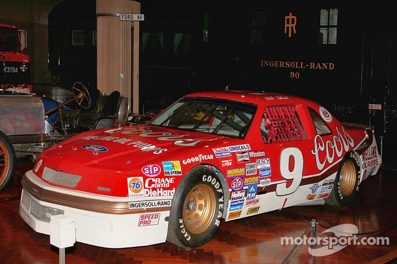 Bill Elliott's 1987 Ford Thunderbird on display at SEMA 2011