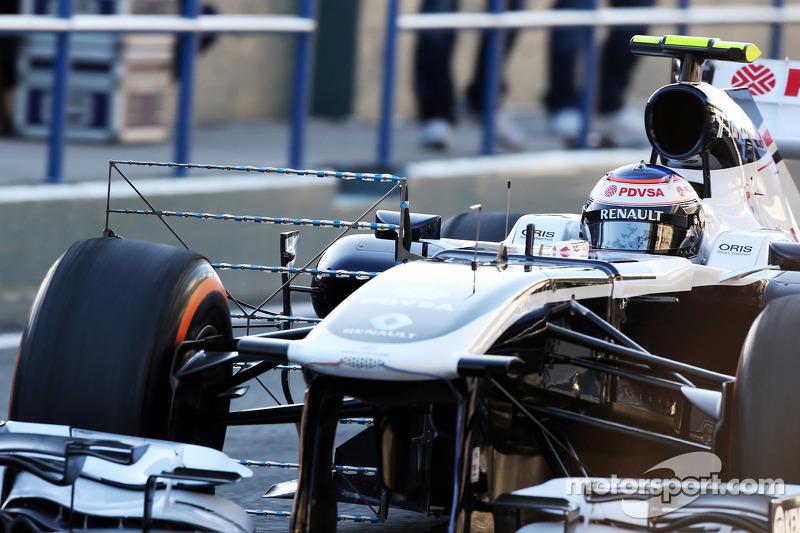 Pastor Maldonado, Williams FW34 running sensor equipment