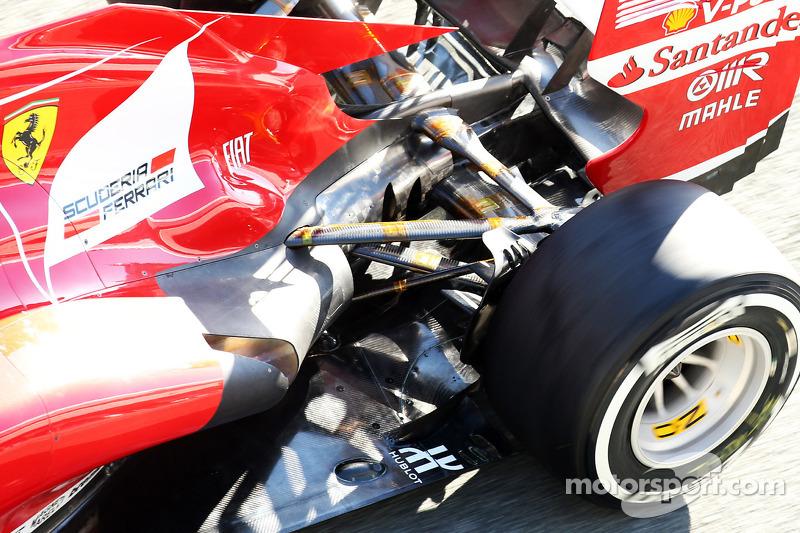 Ferrari F138 rear suspension and exhaust running temperature sensors