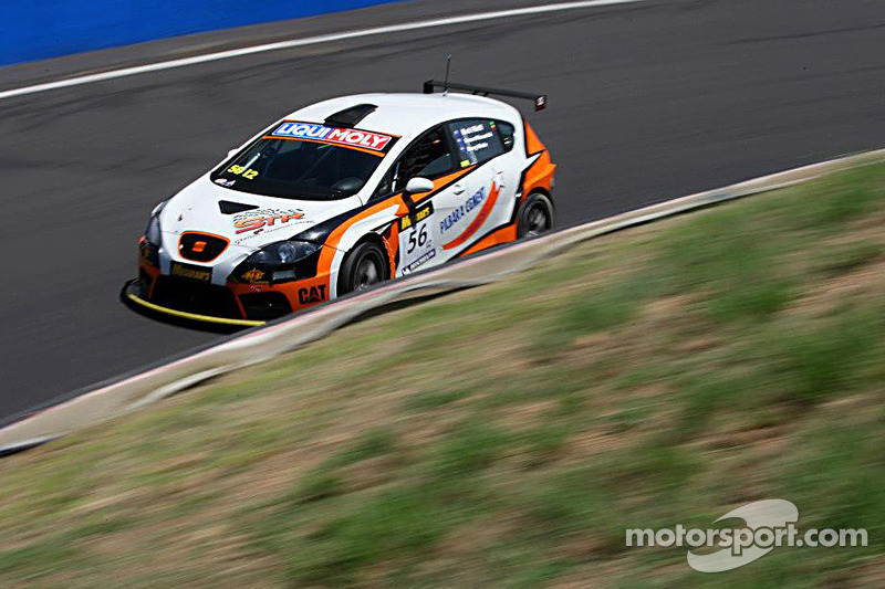 #56 Motorsport Services Seat Leon Supercopa: Mark Pilatti, Simon Piavanini, Kerry Wade