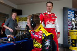 Clint Bowyer, Michael Waltrip Racing Toyota and Kevin Harvick, Richard Childress Racing Chevrolet share a laugh