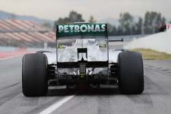 Nico Rosberg, Mercedes AMG F1 W04  at the pit exit
