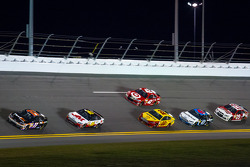 Denny Hamlin, Joe Gibbs Racing Toyota leads a group of cars