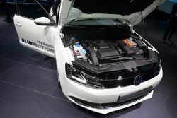 Volkswagen Jetta Hybrid Blue Emotion