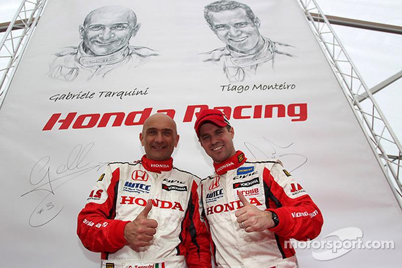 Тьягу Монтейру и Габриэле Тарквини. Тесты Honda Civic, тесты.