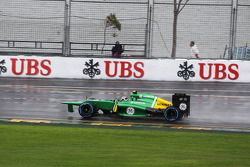 Giedo van der Garde, Caterham CT03 with a missing front wing